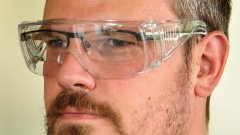 Safety glasses (also suitable for eyeglass wearers)
